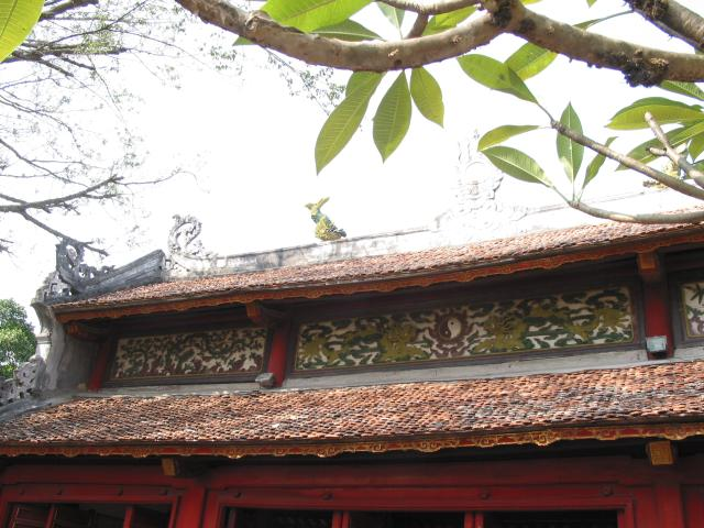 Tree and roof detail: Ngoc Son temple