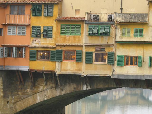 Windows and roofs along the bottom of Ponte Vecchio, Firenze