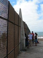 Group on US side of border fence